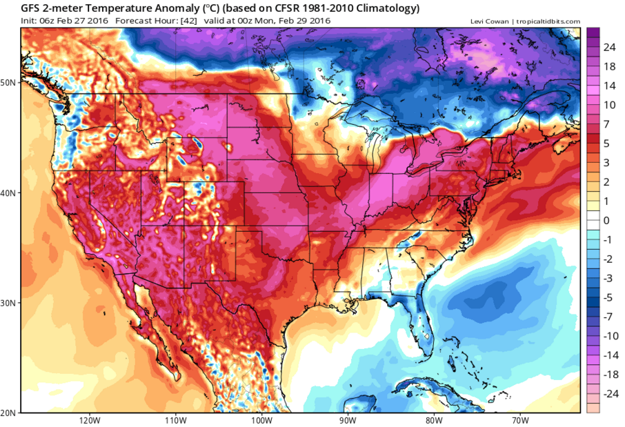 Above normal temperatures over the Plains and Pacific Northwest. Notice the below temperature anomalies in the Cadcades mountain range in Northwest Washington.